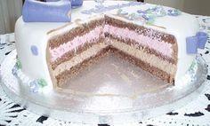 Min mudcake opskrift er en virkelig lækker og tung chokoladekage. Jeg bruger den tit som bunde i mine kager. Enten kun i bunden, eller også som alle 3 bunde