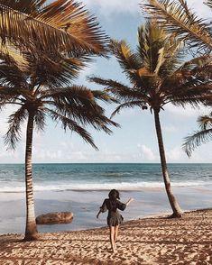 Indiretas pro @: Quem você gostaria que te convidasse pra conhecer @costadosauipe? Valendo! Beach Shoot, Beach Poses, Beach Babe, Cancun Outfits, Summer Vacation Outfits, Summer Photos, Summer Travel, Summer Girls, Travel Photos