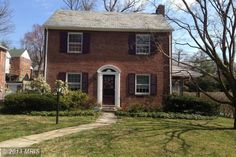 CHARMING COLONIAL ON BEAUTIFUL TREELINED STREET. CLOSE TO SHOPPING AND PUBLIC TRANSPORTATION