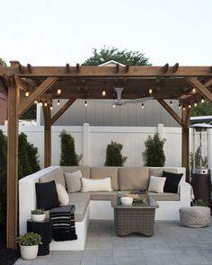 Small Backyard Patio, Backyard Seating, Backyard Pergola, Backyard Landscaping, Pergola Kits, Landscaping Ideas, Garden Gazebo, Diy Patio, Small Garden Decking Ideas On A Budget