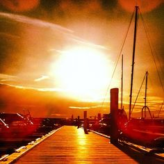 Late summer sunset at Fuglevik Marina. #summer #sun #sunset #goldenlight #rygge #fuglevik #boats #onfire #i_love_norway #visitmoss #norway