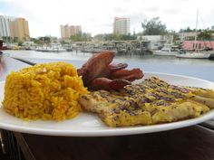 If you're looking for the perfect seafood lunch, Garcia's Seafood Grille in Miami is the place to be. #travel #Miami #food