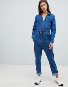 Buy Noisy May denim boiler suit at ASOS. With free delivery and return options (Ts&Cs apply), online shopping has never been so easy. Get the latest trends with ASOS now. Suit Fashion, Denim Fashion, Fashion Outfits, Fashion Boots, Denim Jumpsuit, Jumpsuit Dress, Overalls, Dungarees, Style Bleu