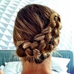 TRY THIS ELEGANT swoopin' braids