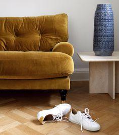 Blanca velvet sofa in Amber