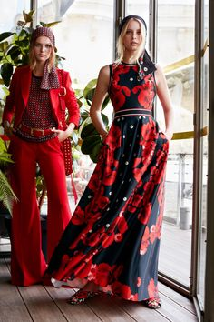 Elie Saab Resort 2019 Fashion Show Collection: See the complete Elie Saab Resort 2019 collection. Look 13