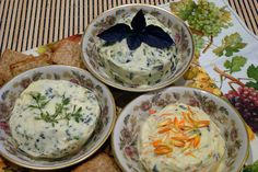 How to make delicious flavored butters with edible flowers and herbs from the garden... @Fiskars USA #sp