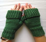 Simple fingerless mitts which can be rolled up or released for slightly colder weather All Free Knitting, Knitting Patterns Free, Free Pattern, Crochet Patterns, Fingerless Gloves Knitted, Knit Mittens, Knitted Hats, Wrist Warmers, Hand Warmers