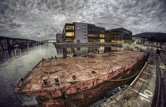 New School by *JRFoto*, via Flickr
