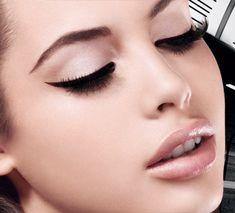 Winged eyeliner tutorial - The Model Stage Blog