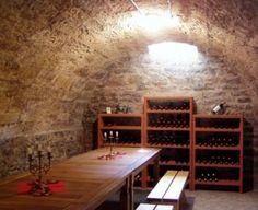 Casier à bouteilles, armoire à vin, cave voûtée enterrée, tonnelet
