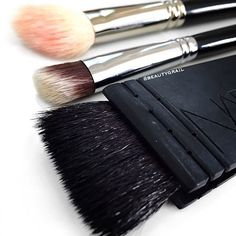 MUST-HAVE Contouring Brushes!!