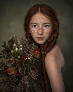 I am a multi-award-winning portrait photographer and artist, and specialise in modern fine art portraits of children of all ages, adults, and families. Pose Portrait, Art Photography Portrait, Photography Awards, Children Photography, Photography Studios, Abstract Photography, Photography Tutorials, Photography Props, Digital Photography