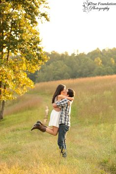 I want this engagement photo for me and Ryan .. Hint hint Jessie ( my sister the photographer )