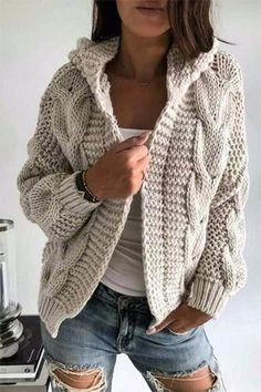 Warm Dresses, Winter Dresses, Winter Outfits, Dress Winter, Diy Kleidung Upcycling, Knitted Coat, Knit Cardigan, Dress Outfits, Knitwear