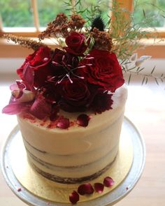 @peppermintkitchen posted to Instagram: I love rocking up to a venue with wedding cakes and knowing that Gypsy of @thevasequeenstown will have ALL OF THE BEAUTIFUL FLOWERS waiting for me to style onto the cake. So much beautifulness!#weddingcake #nakedweddingcake #2020bride #bohobride #bohowedding #indiebride #indiewedding #nzwedding #destinationwedding #elope #elopement  #weddinginspo #weddinginspiration #weddingstyle #intimatewedding #weddingflowers #loveauthentic #weddingidea… Boho Bride, Boho Wedding, Destination Wedding, Wedding Flowers, Bespoke, Wedding Styles, Beautiful Flowers, Gypsy, Wedding Cakes