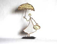 Book Crafts, Arts And Crafts, Sculptures Sur Fil, Art Fil, Folded Book Art, Under My Umbrella, Hand Art, Wire Crafts, Beads And Wire