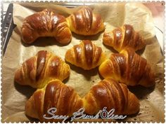 Esta receita de Croissants foi-me gentilmente dada pela minha amiga Marijana, é uma receita muito antiga, mas muito conhecida no país dela a...