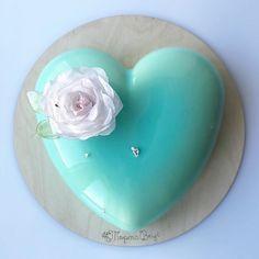 Доброго дня  #ТортаВкус #вафельныецветы Mirror Glaze Cake, Mirror Cakes, Cake Art, Art Cakes, French Patisserie, Mouse Cake, Loose Leaf Tea, Heart Art, Macaroons