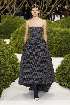 Dior Haute Couture Spring-Summer 2013 – Look 4: Midnight blue dot applique bustier cocktail dress.Discover more on www.dior.com #Dior#PFW