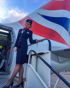 Tie Up Stories, Flight Attendant Interview Questions, British Airways Cabin Crew, Ankara Styles For Women, Airline Uniforms, Attendance, Aesthetic Pictures, Lady, Instagram