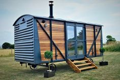 Luxury Railway Carriage / Shepherds Hut Self contained Glamping unit 2 Berth Shepherds Hut For Sale, Western Red Cedar Cladding, Somerset England, Casas Containers, Tiny House Living, Cabana, Glamping, Backyard, Outdoor Structures