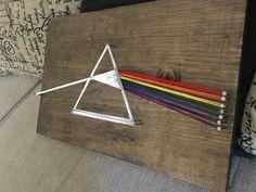 Dark Side of the Moon String Art, Pink Floyd Art, Prism Art, Astronomy Pink Floyd Artwork, Arte Pink Floyd, Stoner Art, String Art Patterns, Music Artwork, Stain Colors, Dark Side, Geek Stuff, Dimebag Darrell