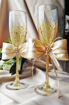 Wedding gold glasses Champagne flutes Gold by WeddingArtGallery