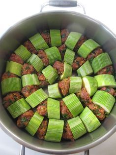 Kabak, fesleğen, bulgur, kıyma biraraya gelince çok güzel kokan ve çok lezzetli…