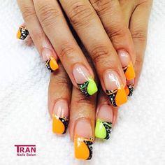 Seventies mood #trannails #nageldesign #nagelstudioerbach #nailart #wallofnails #gel #manicure