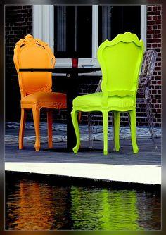 Neon Chairs ☻                                                                                                                                                                  ⇜•ṄεΦЙ❉€яᗛƶΣ•⇝