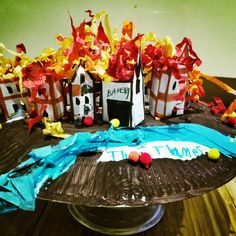 3D great fire of London - little paper houses, paper plate and some craft confetti paper! Great activity for school projects and kids