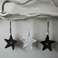 Haak & Maak: Sterren haken Christmas Crafts, Christmas Decorations, Crochet Christmas, Crochet Flowers, Seasonal Decor, Snowflakes, Knit Crochet, Crochet Earrings, Elsa