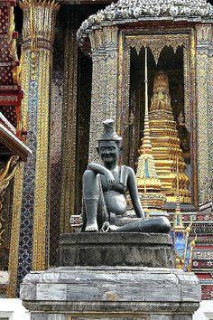 The Grand Palace, Bangkok, Thailand - more photos and tips on the blog: http://www.ytravelblog.com/grand-palace-bangkok/