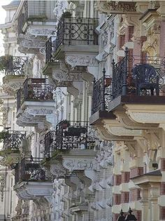So many balconies in St Remy