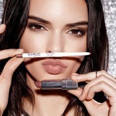 Kendall make up, kendall jenner estee lauder, kendall jenner lipstick Kendall Jenner Lipstick, Kendall Jenner Estee Lauder, Kendall Jenner Maquillaje, Kendall Jenner Make Up, Kendall Jenner Outfits, Kendall And Kylie, Kylie Jenner, Pat Mcgrath, Beauty Make-up