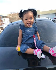 Happy Friday everyone ! Cute Mixed Babies, Cute Black Babies, Black Baby Girls, Beautiful Black Babies, Cute Little Baby, Pretty Baby, Cute Baby Girl, Beautiful Children, Little Babies