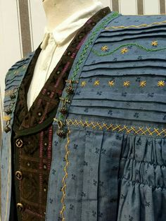 Folk Clothing, Medieval Clothing, Medieval Costume, Embroidered Jacket, Sewing Clothes, Larp, Culture, Costumes, Fabric