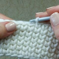 🎅🏻🤶🏻: arte em crochê - Salvabrani - image for you Learn how to create the Crochet Bead Stitch. The bead stitch is similar to a puff stitch but it is worked around a double crochet next to it instead. Se Gostou Clique no ❤ Siga nosso perfi Crochet Diy, Tunisian Crochet, Crochet Chart, Crochet Home, Tutorial Crochet, Crochet Bikini, Knitting Stitches, Knitting Patterns, Crochet Patterns
