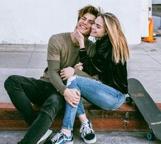Merry Christmas from us ❤️ - Today Pin Cute Couple Pictures, Love Couple, Best Couple, Couple Photos, Dylan Jordan, Relationship Goals Pictures, Cute Relationships, Couple Goals Tumblr, Summer Mckeen