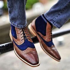 Статья об актуальных моделях мужской обуви, которые преобразят гардероб и помогут сформировать стильные образы.