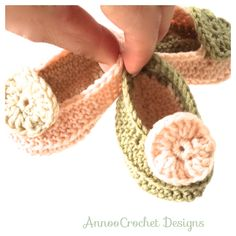 Sassy Newborn Shoes Free Tutorial By AnnooCrochet Designs
