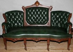 Chaise Sofa VICTORIAN STYLE WALNUT u GREEN TUFTED LEATHER SOFA