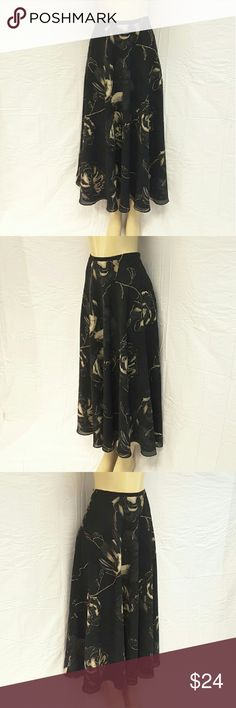 40% BUNDLE DISCOUNT! FREE SHIPPING ON BUNDLES!! *Plus* STUDIO LIZ CLAIBORNE Fully Lined Skirt, size 14 See Measurements (lol! Measurements will be posted After the football playoff games), side zipper, lightweight feminine material, machine washable, polyester blend, approximate measurements: size 14. ADD TO A BUNDLE!?? 40% BUNDLE DISCOUNT! FREE SHIPPING ON BUNDLES!! ?OFFER? 40% less Plus $6 LESS ON BUNDLES for shipping reimbursement! Studio Liz Claiborne  Skirts