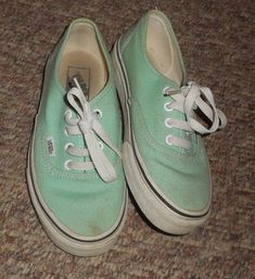 242945ac0382 Details about Vans canvas tennis shoes sneakers Woman Size 6.5 men sz 5  Maroon