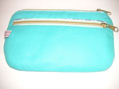 """https://de.dawanda.com/shop/Karin-Klein1 Kosmetiktäschchen """" Nanami"""" Dieses Täschchen bietet sooooo viele Einsatzmöglichkeiten! Ob als Schminktasche, Stifteetui oder vielleicht doch lieber als Handtaschen - Organizer, durch die Reißverschlußfächer hast du die Möglichkeit, dieses kleine Täschchen auf so vielfältige Möglichkeiten zu nutzen - eventuell auch als Smartphonetasche"""