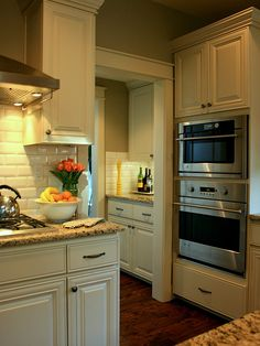 Double Oven Kitchen Design, Pictures, Remodel, Decor and Ideas - page 3
