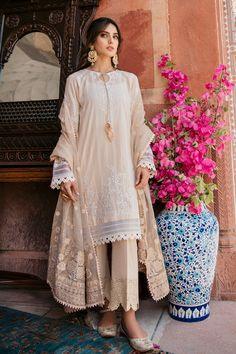 Fancy Dress Design, Stylish Dress Designs, Stylish Dresses, Simple Dresses, Pakistani Bridal Dresses Online, Simple Pakistani Dresses, Pakistani Dress Design, Pakistani Casual Wear, Pakistani Outfits