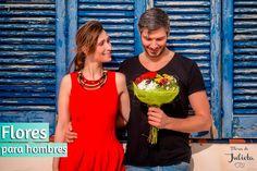 *Regalar flores a los hombres* Cuando queremos hacer un regalo a un hombre, pensamos en todo menos en flores.