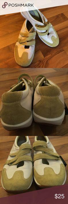 Spotted while shopping on Poshmark: LizSport Shoes By Liz Claiborne! #poshmark #fashion #shopping #style #Liz Claiborne #Shoes
